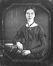 The best Emily Dickinson poems are about grief, pain, death, and faith. Here's a list of the ten best Emily Dickinson poems to get started reading her work. Book Writer, Book Authors, Emily Dickinson Poemas, James Joyce, John Keats, American Poets, Writers And Poets, Oscar Wilde, Cool Words