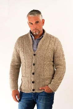 Beige chunky wool sweater jacket. Hand knitted from 100% Iceland wool yarn.