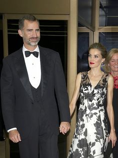 (L-R) King Felipe VI of Spain and Queen Letizia of Spain attend a dinner in honour of the 'Mariano de Cavia', 'Luca de Tena' and 'Mingote' awards winners at Casa de ABC on 02.10.2014 in Madrid, Spain.