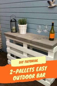 Pallet Ideas Bigger isn't always better. Why not make a fun outdoor easy DIY project: This Pallet Outdoor Bar is perfect for your deck, backyard patio, or garden area? - This pallet bar is perfect for your deck, backyard patio, or garden area! Outdoor Patio Bar, Backyard Bar, Diy Patio, Outdoor Bars, Backyard Pallet Ideas, Outdoor Pallet Bar, Pallets Garden, Patio Ideas With Pallets, Pallet Ideas For Outside