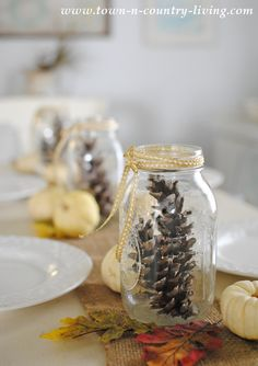 Need a little help selecting a centerpiece? One of these simple Thanksgiving centerpieces are sure to inspire you! Thanksgiving Crafts, Thanksgiving Decorations, Seasonal Decor, Holiday Crafts, Thanksgiving 2017, Fall Decorations, Mason Jar Thanksgiving Centerpieces, Mason Jar Centerpieces, Mason Jar Gifts