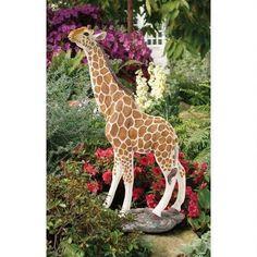 Giraffe Statues   Ho