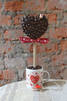 Homemade Valentine's Day gift ideas – 15 Heart-Shaped Topiary Trees With Coffee Beans