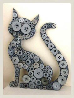 25 + craft ideas button painting -There are so many button crafts for kids result in charming, handmade and gift-worthy items! Learn how to make button art on canvas! Source by besvelte ideas for kids Cool Buttons, Diy Buttons, Vintage Buttons, Crafts With Buttons, Buttons Ideas, Cat Crafts, Kids Crafts, Diy And Crafts, Arts And Crafts