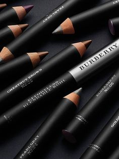 Effortless Blendable Kohl - a versatile, intensely pigmented crayon that can be used as a kohl, eyeliner and smokey eye pencil.