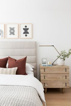 Wrapping up our Swan Lake House with one last photo tour! Bedding Master Bedroom, Guest Bedrooms, Home Bedroom, Modern Bedroom, Lake House Bedrooms, Bedroom Ideas, Rustic Bedrooms, Bedroom Inspo, Master Bedrooms