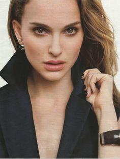 Natalie Portman , la veste d'homme un (bon) basique !   http://etre-parisienne.blogspot.fr/