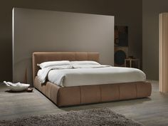 BEND Leather bed by MY home collection design Carlo Trevisani