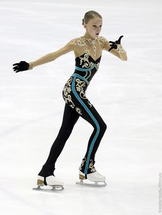 Фотографии Junior Grand Prix Riga Cup 2013 - Девушки, Короткая программа, Junior Ladies, Short Program - FSkate.ru Figure Skating Dresses, Sports Figures, Diy Dress, Sporty, Costumes, Clothes For Women, Female, Celebrities, Outfits