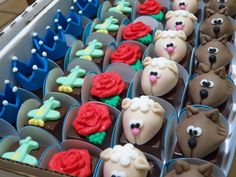Bombons com modelagem Pequeno Príncipe Little Prince Party, The Little Prince, Cake Pops, Cupcakes, Diy Party, Party Ideas, Cake Art, Baby Shower, Birthday