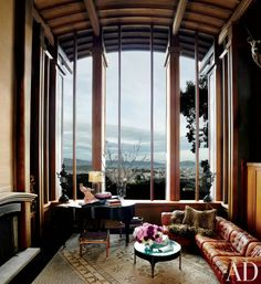 Find home décor inspiration at Architectural Digest. Everything you'll need to design each and every room in your house, from the kitchen to the master suite. Home Interior, Interior Architecture, Interior And Exterior, Interior Design, Interior Styling, Architectural Digest, Floor To Ceiling Windows, House Windows, Tall Windows