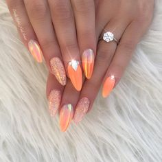 Minus the bling ombre nail designs, classy nail designs, holiday nail designs, holiday Holiday Nail Designs, Classy Nail Designs, Ombre Nail Designs, Classy Nails, Cute Nails, Pretty Nails, Summer Holiday Nails, Summer Nails, Rhinestone Nails