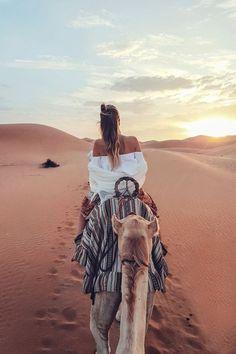 Travel inspiration | Tropical | Abu Dhabi | Sunshine | Riding a camel | More on Fashionchick
