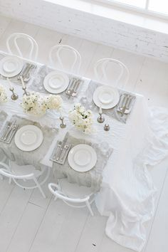 White Light with Vera Wang Wedgwood / All white receptions (Styling by The LANE)