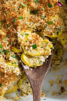 Yellow Squash Casserole Recipe - Cooking Classy Squash Casserole - made with tender yellow squash, a cheesy, creamy coating and it's finished with crispy toasted panko bread crumbs! It's a delicious, homestyle side dish that's perfect for holidays, and a great way to use up the abundance of summer squash. #squash #casserole #sidedish #thanksgiving #summer #recipe<br> Baked Yellow Squash, Yellow Squash Recipes, Summer Squash Recipes, Baked Squash, Yellow Squash Casserole, Summer Squash Casserole, Stuffing Casserole, Casserole Recipes, Summer Squash Bread