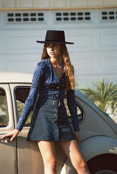 A dream in shades of navy and suede