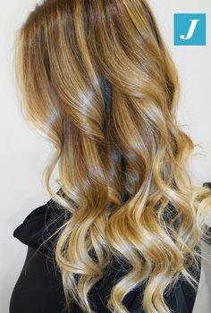 Esprimi la tua femminilità con il Degradé Joelle! #cdj #degradejoelle #tagliopuntearia #degradé #igers #musthave #hair #hairstyle #haircolour #haircut #longhair #ootd #hairfashion