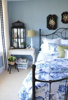 Love the ribbon edging on the curtains      Guest Room-Housepitality Designs