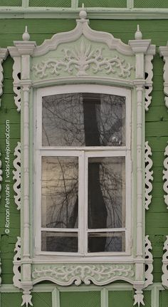 Detail of a house in Tomsk, Siberia Wooden Architecture, Russian Architecture, Wooden Windows, Windows And Doors, Window Molding Trim, Gable Trim, Lace Window, Traditional Windows, Through The Window