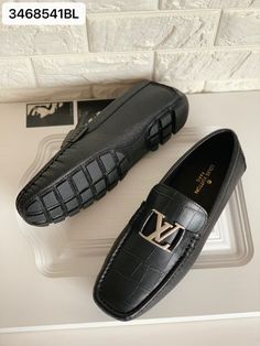 Louis Vuitton lv man driver shoes leather loafers