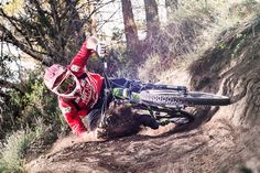 Sometimes people taking part in specific disciplines of cycling will purchase a specialized mtb, developed for the discipline. While cross-country, freerider and enduro are the most common discipli… Downhill Bike, Be With You Movie, Mountain Bike Trails, Mountian Bike, Road Bike Women, Bicycle Maintenance, Cool Bike Accessories, Bike Rider, Cycling Bikes