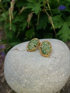 Vintage 1970s Signed Vintage Gold Plated Oval Clip On Earrings with Pebbled Jade Colour Stone Filling