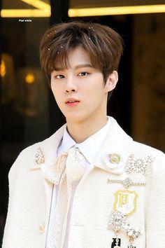 Kim Wooseok As Your Boyfriend Daejeon, Up10tion Wooshin, Stray Kids Seungmin, Kim Minseok, Kdrama Actors, White Flats, White Aesthetic, Your Boyfriend, King Queen