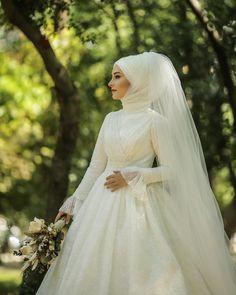 Günaydınlar Wedding Day Wedding Planner Your Big Day Weddings Wedding Dresses Wedding bells Bridal Hijab, Hijab Wedding Dresses, Bridesmaid Dresses, Hijab Gown, Hijab Style Dress, Open Air, Muslim Brides, Chiffon, Hijab Fashion