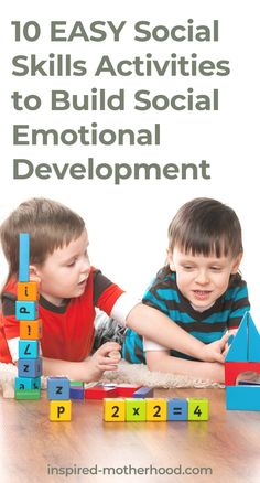 10 Easy social skills activities to teach your kids vital social emotional skills. Practical way to raise an emotional intelligent child. Social Emotional Activities, Social Emotional Development, Kids Learning Activities, Child Development, Social Skills Lessons, Social Skills For Kids, Life Skills, Practical Parenting, Parenting Tips