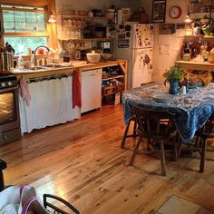 Another busy project day of us all working together comes to an end with Olivia having made dinner. This rooms holds her contented, happy energy of making things nice for those she loves. – On Bradstreet Sweet Home, Cozy Kitchen, Gypsy Kitchen, Bohemian Kitchen, Dream Apartment, Aesthetic Rooms, Home And Deco, Dream Rooms, House Rooms