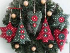 christmas tree ideas homemade 66 Ideas Homemade Tree Decorations Navidad For 2019 Sewn Christmas Ornaments, Fabric Christmas Trees, Christmas Tree Toy, Christmas Holidays, Christmas Wreaths, Christmas Sewing Projects, Christmas Crafts, Homemade Christmas, Christmas Tree Decorations