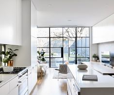 Modern renovation of an old Victorian terrace — Homes to Love - Terrasse Architecture Renovation, Home Renovation, Home Remodeling, Bathroom Remodeling, Architecture Interiors, Basement Renovations, Australian Homes, Lounge, Pergola