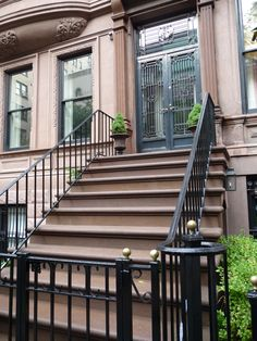 Perry Street, Manhattan, New York - Carrie's stoop