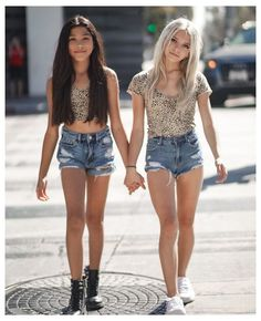 Preteen Girls Fashion, Young Girl Fashion, Girls Fashion Clothes, Girly Girl Outfits, Kids Outfits Girls, Cute Simple Outfits, Little Girl Leggings, Teen Girl Poses, Cute Young Girl