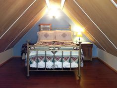 Got an new old vintage bed for the bedroom in the White Pine Cabin. Plumped it up with a memory foam mattress topper and finished it with some line dried linens. Check us out at www.hockinghillsfarm.com
