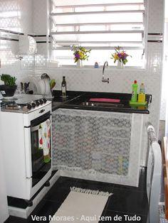 Kitchen Decor, Kitchen Design, Tiny Studio Apartments, Vintage House Plans, Cubes, Tiny Spaces, Small Space Living, Kitchen Organization, Kitchen Remodel