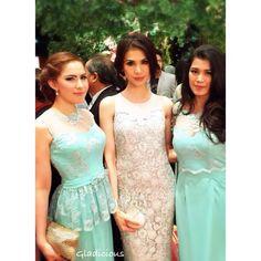 (Leftside) Mint for Bridesmaid Dress