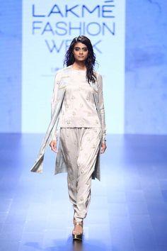 By designer Payal Singhal. Bridelan - Personal shopper & style consultants for Indian/NRI weddings, website www.bridelan.com #PayalSinghal #LakmeFashionWeek2016 #weddinglehenga #Bridelan #BridelanIndia http://www.bridelan.com/