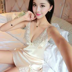 Ladies Sexy Silk Satin Night Dress Sleeveless Nighties V-neck Nightgown Plus Size Nightdress Sleepwear Nightwear AW4585