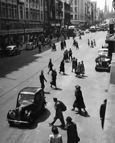 """Bourke Street, looking East from around the middle of the """"mall"""" in 1948 Melbourne Suburbs, Melbourne Cbd, Melbourne Victoria, Victoria Australia, Australian Continent, Largest Countries, Historical Pictures, Tasmania, Continents"""