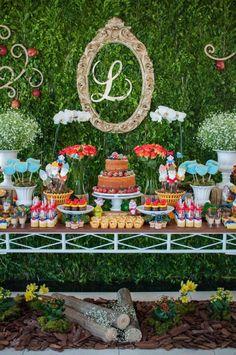 Decoração para Festa Branca de Neve Snow White Birthday, Baby Birthday, Birthday Parties, Disney Princess Party, Ideas Para Fiestas, Candy Table, Table Decorations, Projects To Try, Basketball Party