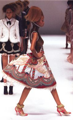 Alexander McQueen Spring/Summer 2005 Repinned by www.fashion.net