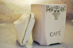 Vintage French coffee pot with its lid cream by LaBourgognedeNath