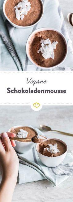Falscher Eischnee, Aquafaba oder einfach Kichererbsenwasser - das ist das Geheimnis deiner veganen Schokomousse. Glaubst du nicht? Probier's aus!