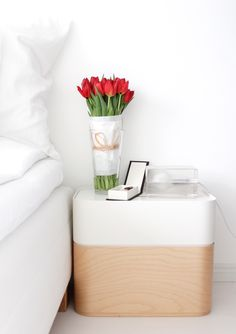 Iittala's Vakka boxes | red tulips | winterhome