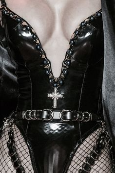 belt, accessories, leather, fishnet, detail, all black, texture, bodysuit