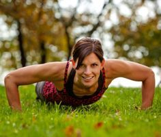 Changing up the kind of push-ups you do will target different areas of your arms and back. Learn which variation works which part of your body, then just pick your push-up. Push Workout, Boot Camp Workout, Free Workout, Workout Ideas, Fitness Goals, Fitness Motivation, Health Fitness, Push Fitness, Fitness Fun