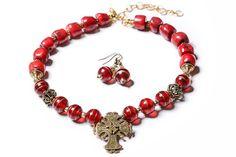 Венеціанське скло та корал (одна низка), стилізований гуцульський хрест