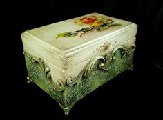Discover thousands of images about Oksana Obodovskaya Decoupage Vintage, Decoupage Box, Painted Trunk, Painted Boxes, Wooden Boxes, Tole Painting, Painting On Wood, Clay Crafts, Diy And Crafts