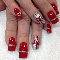 Nail art is a very popular trend these days and every woman you meet seems to have beautiful nails. It used to be that women would just go get a manicure or pedicure to get their nails trimmed and shaped with just a few coats of plain nail polish. Christmas Present Nail Art, Cute Christmas Nails, Xmas Nails, Red Nails, Christmas Presents, Classy Christmas, Holiday Nail Art, Christmas Acrylic Nails, Xmas Nail Art